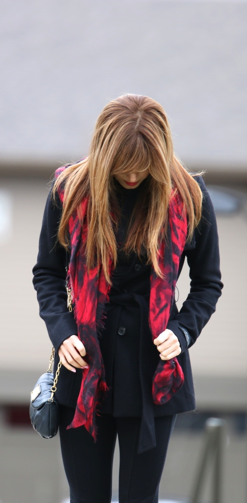 Aritzia Spencer Black Coat, Aritzia leggings, Marc Jacobs bag purse, red and black scarf target